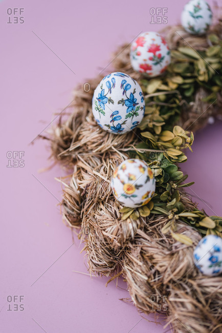 Easter decoration, hay wreath, Easter eggs, detail,