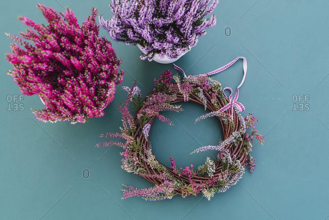 DIY, autumnal decoration, willow wreath, heather