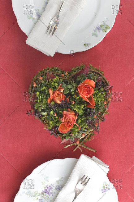 Dinner for Two, place setting, table decoration, heart with roses