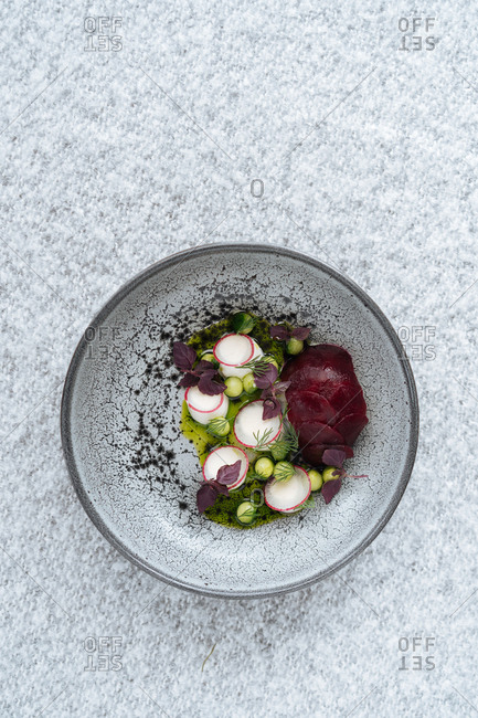 Salad with radishes and beets