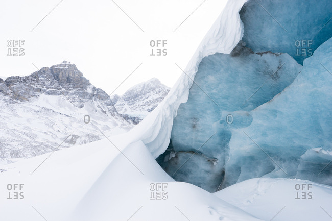 Ice formations in high altitude mountain environment