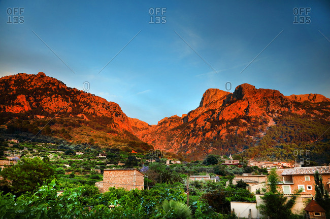Tramuntana mountain range, Soller in foreground, Biniaraix, Mallorca, Spain