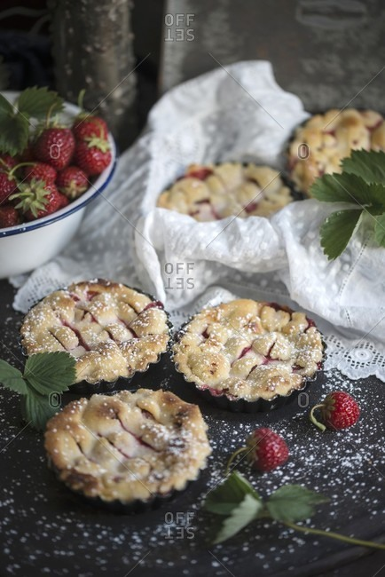 Vegan strawberry tartlets