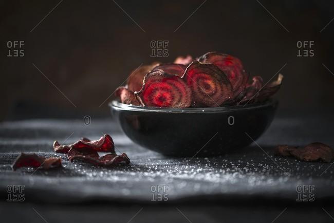 Beetroot crisps with sea salt