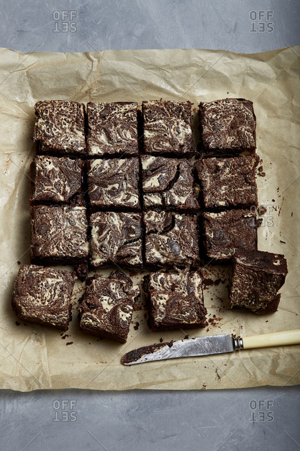 Tahini and halva brownies