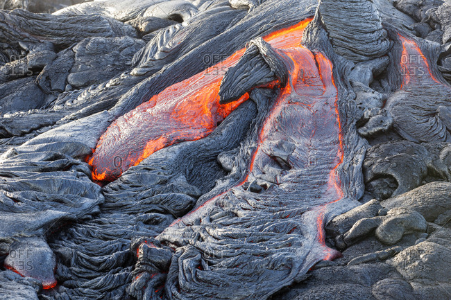 USA- Hawaii- Big Island- Volcanoes National Park- lava flowing from Pu'u O'o' volcano