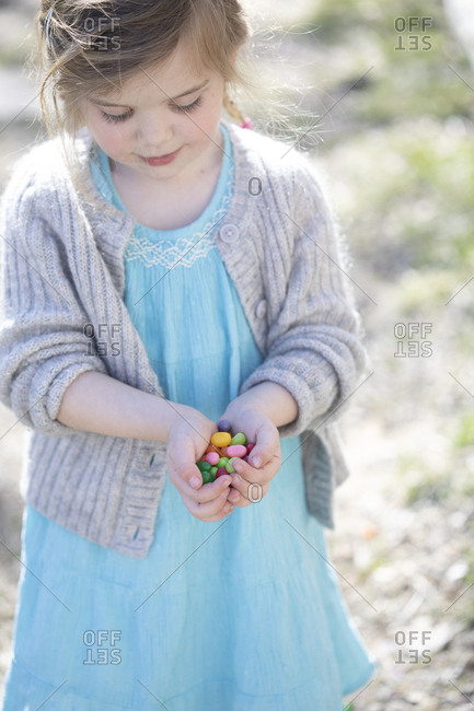 Child holding candy - Offset Collection