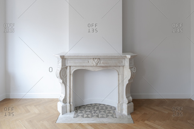 charming empty living room fireplace | Empty fireplace inside living room of home stock photo ...