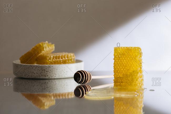 Honeycomb and honey dipper