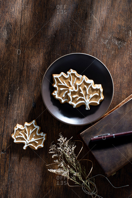 Gingerbread Leaf  Autumn Cookies