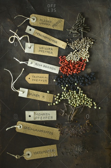 Various sorts of pepper and labeled tags