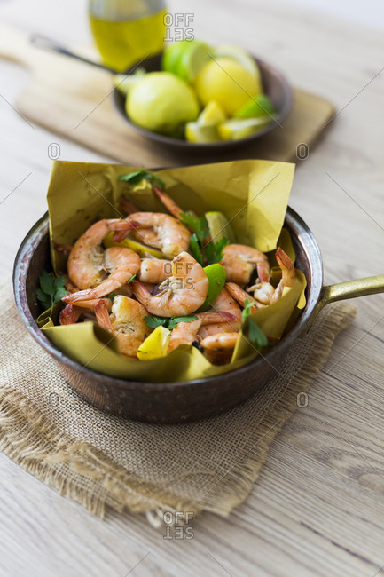 Shrimps in pan
