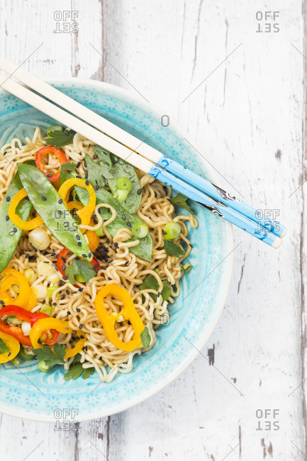 Bowl of mie noodles with vegetables