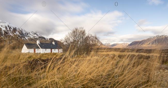 Black Rock Cottage and Buachaille Etive Mor in the Scottish Highlands along the West Highland Way near Glen Coe, Highlands, Scotland, United Kingdom, Europe
