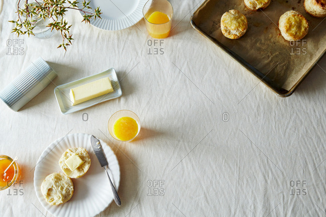 Ceramic butter dish - Offset Collection