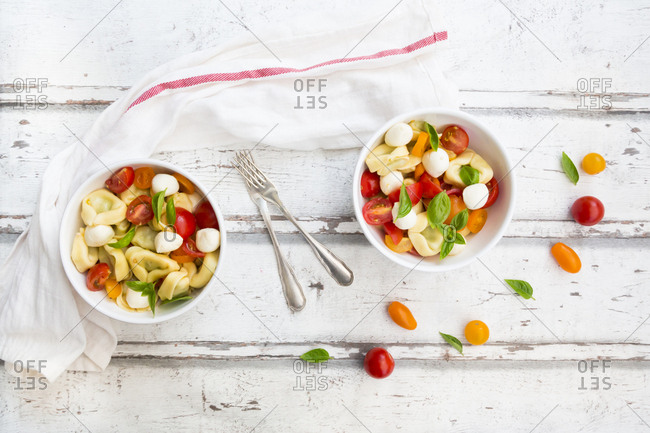Tortellini salad with tomato- mozzarella and basil