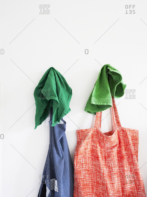 Hanging bag and apron with towels