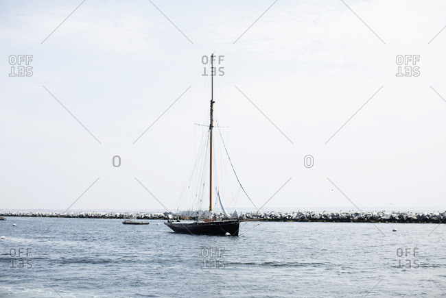 Sailboat in harbor - Offset Collection