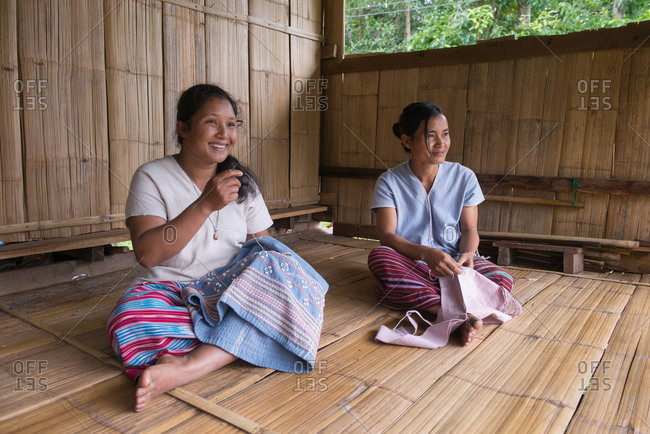 August 19, 2018: Karen Woman Needle Traditional Cloths in Chiang Mai, Thailand.