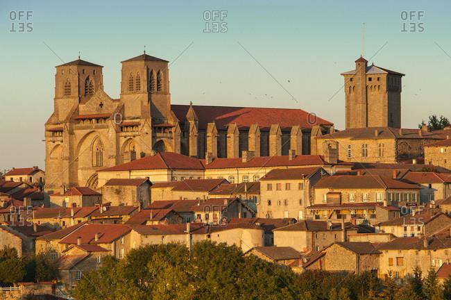 France, Auvergne-Rhones-Alpes, Haute-Loire, La Chaise-Dieu overlooked by the Saint Robert abbatial church