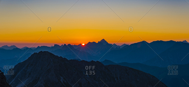Germany- Bavaria- Allgaeu- Allgaeu Alps- panoramic view from Krumbacher Hoehenweg at sunrise
