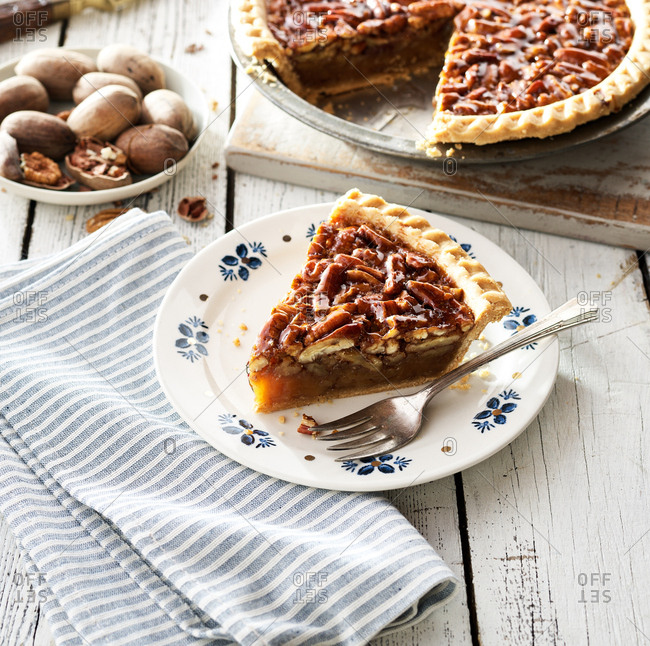 Old fashioned pecan pie - Offset