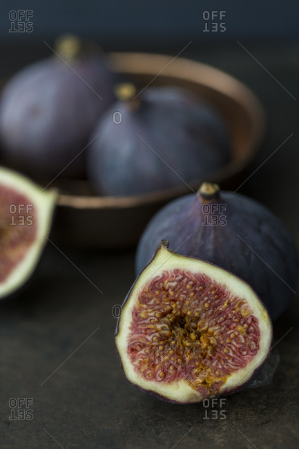 Sliced and whole fresh figs