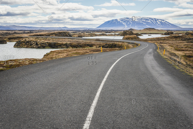Iceland, Myvatn, empty road