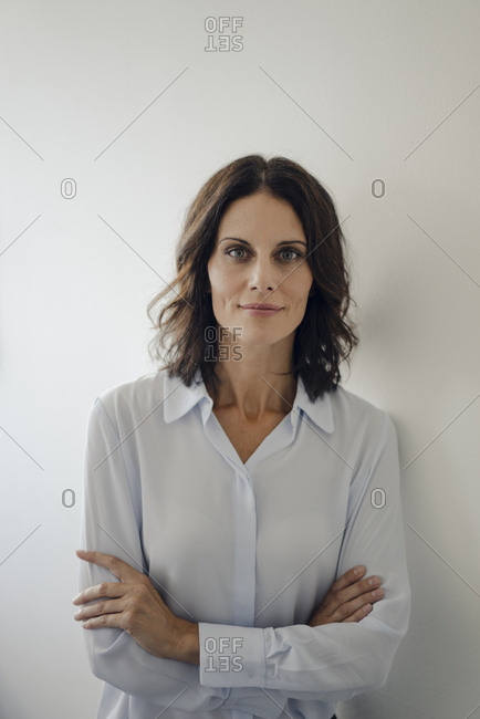 Portrait of an attractive businesswoman with arms crossed