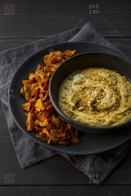 Carrot chips with hummus