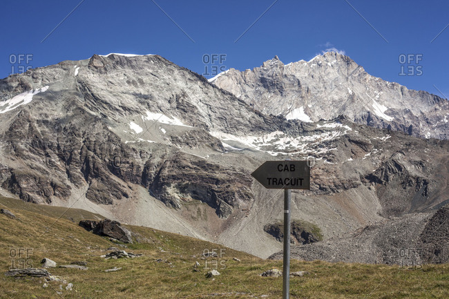 Signpost to the Tracuit Hutte (alpine hut), Switzerland