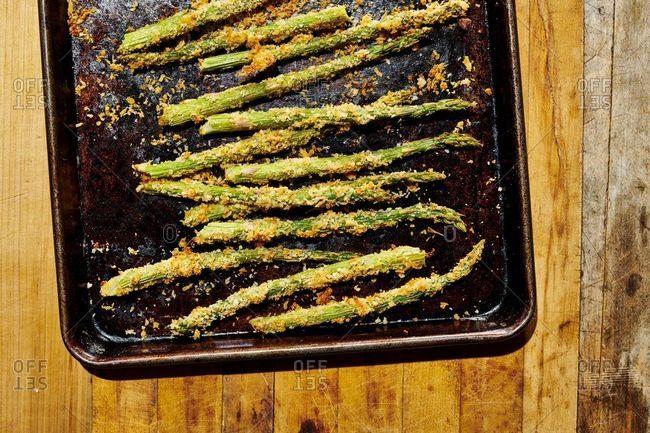 Crispy asparagus on a baking pan