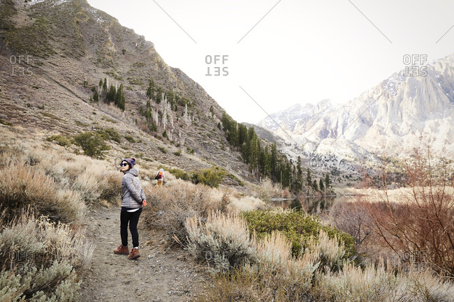 Young woman hiking in the eastern Sierra mountains of California