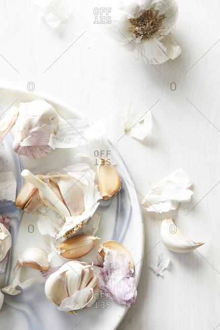 Garlic cloves and bulbs - Offset