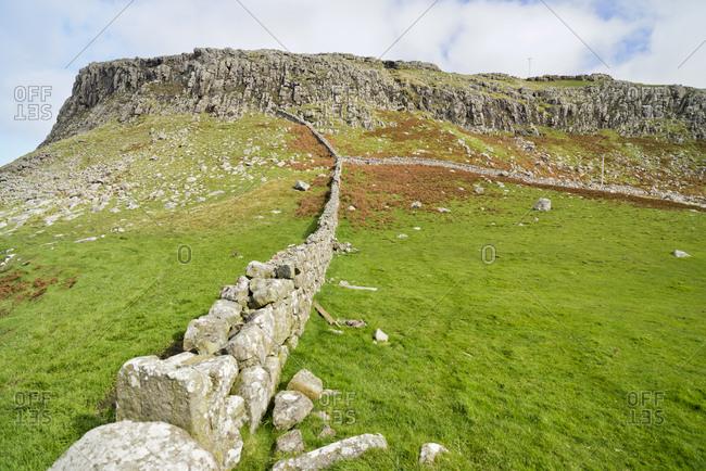 UK- Scotland- Isle of Skye- Neist Point- dry stone wall
