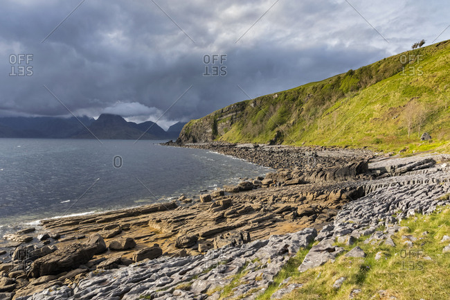 UK- Scotland- Inner Hebrides- Isle of Skye- beach near Elgol