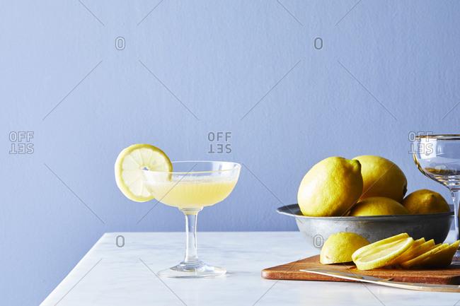 Scotch sour recipe with lemon