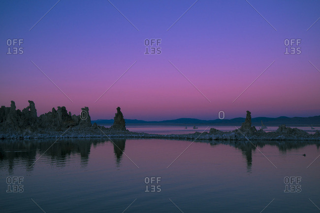 USA, California, Mono Lake at sunset, South Tufa