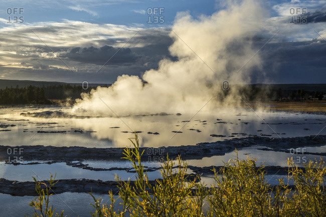 USA, Wyoming, Yellowstone National Park, Lower Geyser Basin, Firehole Lake Drive, Great Fountain Geyser