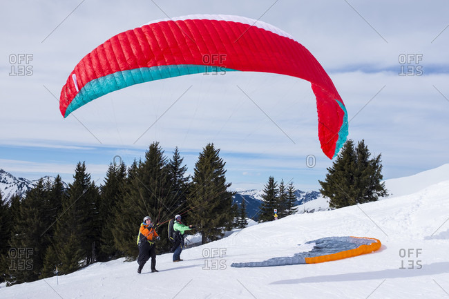 March 5, 2018: Speedriding, a combination of skiing and paragliding, is an increasingly popular sport in the European Alps. Here, a speedrider prepares to take off on a slope in Morzine, part of the Portes du Soleil ski area in France between Chamonix and Geneva.