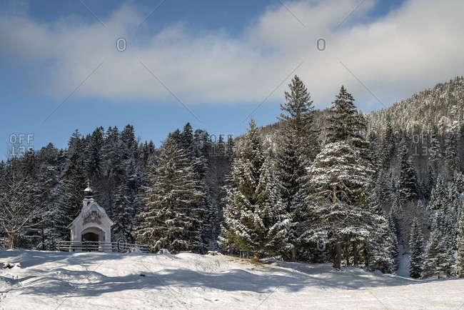 The Chapel 'Maria Konigin' in the Lautersee (lake) over Mittenwald in winter.
