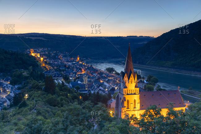 Liebfrauenkirche and River Rhine at sunset, Oberwesel, Rhineland-Palatinate, Germany