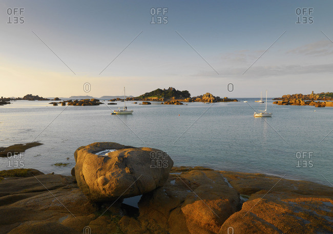 France, Brittany, Cote de Granit Rose (Pink Granite Coast), Cotes d'Armor, Tregastel, Ile de Costaeres and castle