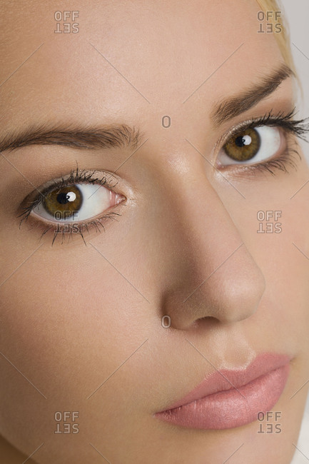 Young woman, close-up, bride, bridal make-up, brown eyes