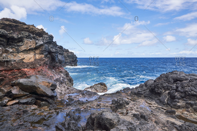 Waves splashing on the coast of Maui, Hawaii