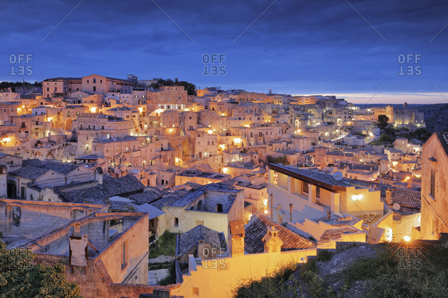 Italy, Basilicata, Matera district, Matera, View of the Sasso Barisano in the Unesco listed I Sassi neighborhood
