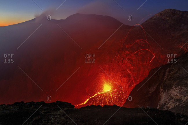 Intracrateric eruption of the New Bocca, Etna mount, Sicily, Italy