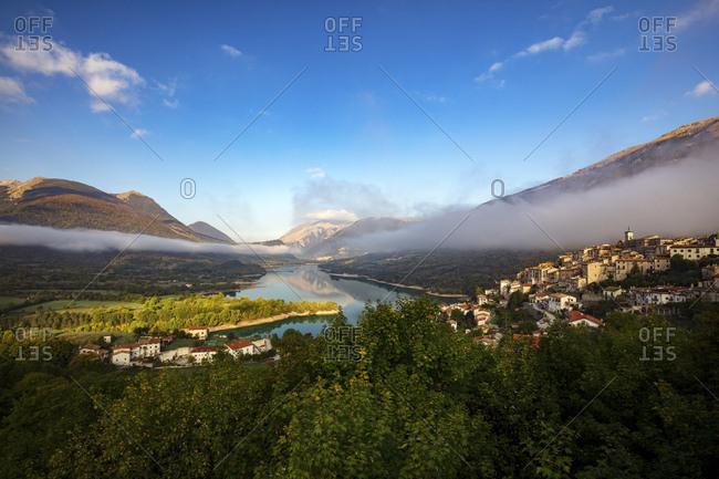 Barrea lake and le villages, National Park of Abruzzo, Lazio and Molise, Abruzzo, Italy, Europe