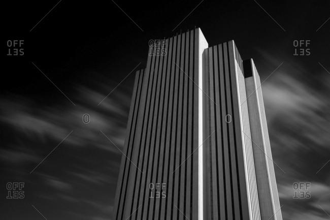 New York City - USA - NOV 30 2015: 375 Pearl Street, also known as Intergate. Manhattan, the Verizon Building, and One Brooklyn Bridge Plaza, is a 32-story telephone switching building at the Manhattan end of the Brooklyn Bridge.