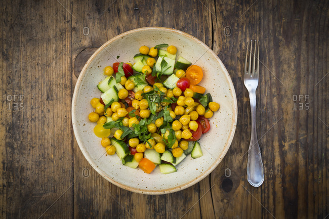 Chick pea salad with curcuma- roasted chick pea- cucumber- tomato and parsley